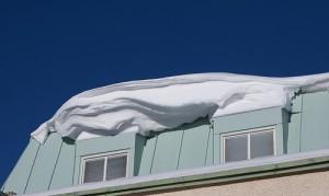 Vilket ansvar har vi för snö och istappar?