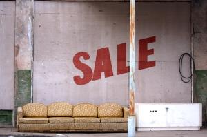Tuffa lånekrav bromsar marknaden
