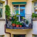 Så förvandlar du balkongen till en trädgårdsoas