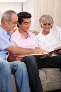 Här är riskerna med att hjälpa ditt barn med bostad